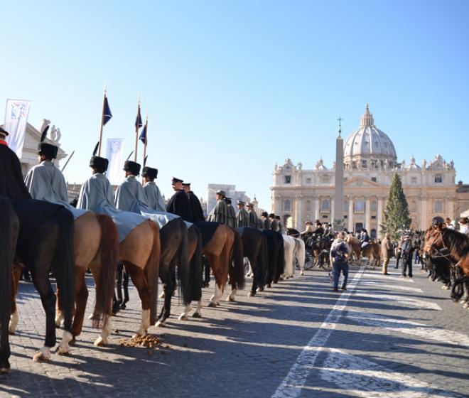 Vaticano_Piazza-San-Pietro_Festa-Sant-Antonio_pre-2014