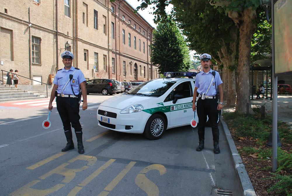 Polizia-Municipale_Bra_generica_2013
