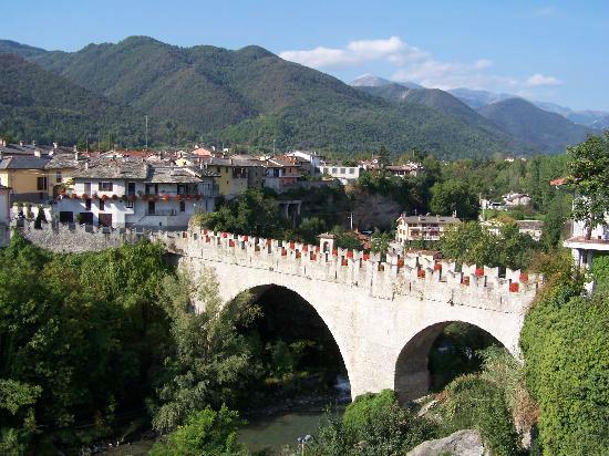 Dronero, un borgo ritrovato fra antiche dimore e giardini segreti
