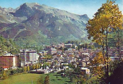 Mercatino dell'antiquariato a Limone Piemonte