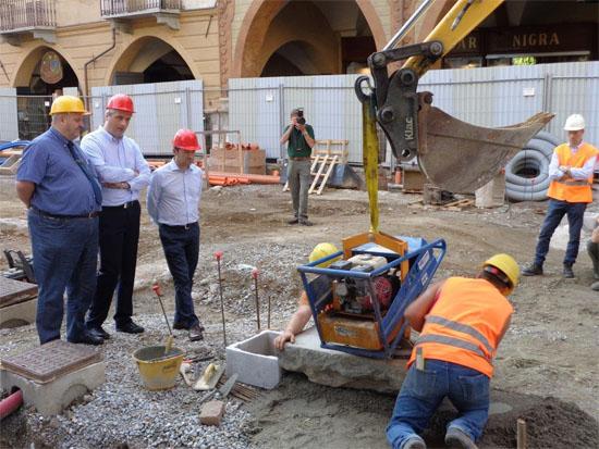 Cuneo_Via-Roma_posa-pietre-luserna_luglio-2014_1