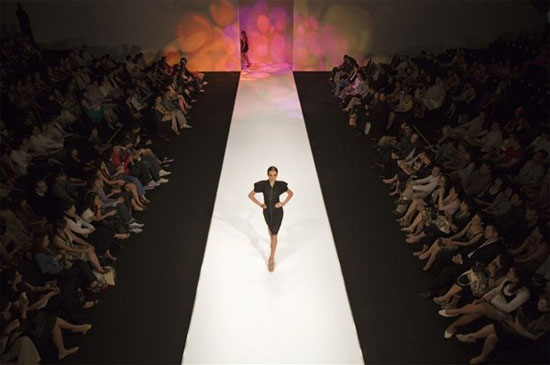 Sfilata di moda a cuneo for Accademia belle arti moda