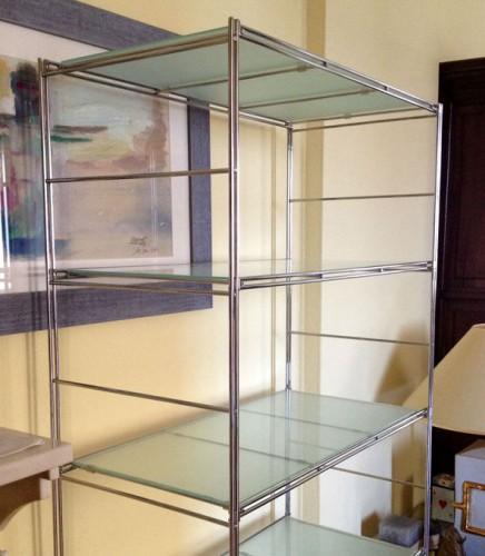 Scaffale in acciaio cromato e vetro annunci eventi - Casa in acciaio e vetro ...