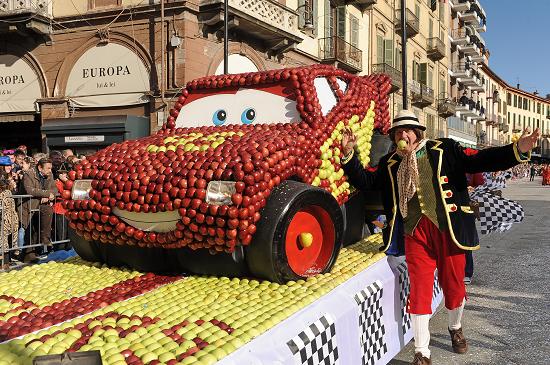 Carnevale-di-Saluzzo-2015_Carrinfrutta