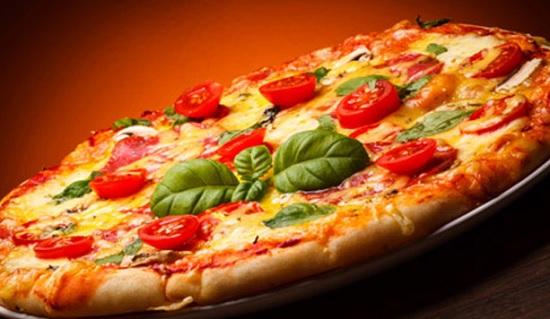 Giro Pizza al Ristorante Pizzeria del Borgo di Cuneo