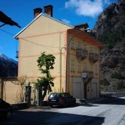 Affitto appartamenti in Valle Maira €150 - Stroppo Appartamenti composti...