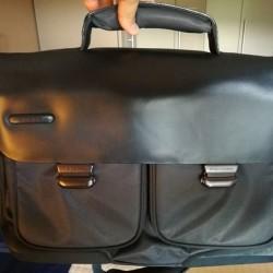 Piquadro - cartella in pelle e tessuto tecnico €60 -...
