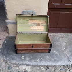 Vecchio bauletto €40 - Costigliole Saluzzo Vecchio bauletto da sistemare...