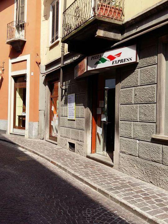 Pizza al taglio €20,000 - 12042 Pizza al taglio friggitoria
