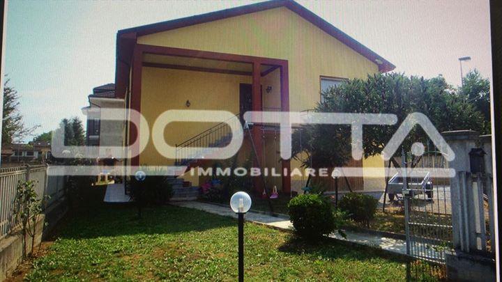 Monchiero (CN) a pochi passi dal centro, nella zona residenziale...