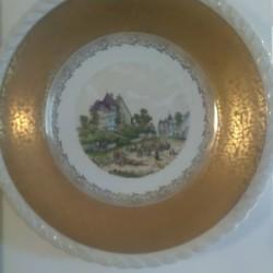 Piatto antico in ceramica con bordo di oro zecchino e...