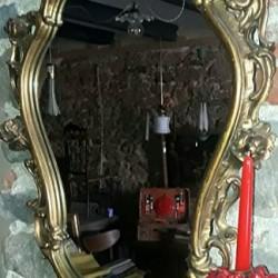 Specchio vintage in legno scolpito e dorato. €150 - 12084