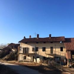 azienda agricolai $6,000,000,000,000 - Fossano Richiesta seicentomila € Casa con...