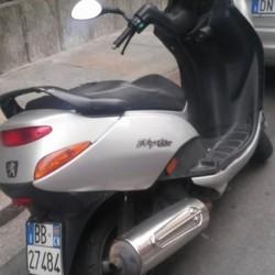 Peugeot Eliseo €200 - 12100 Vendo scooter Eliseo 125 anno...
