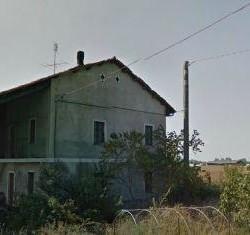 Come da titolo Vendesi rustico da ristrutturare sito in Sant'Albano...