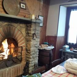 Casa in langa €40,000 - Cerretto Langhe 4 camere Tel....