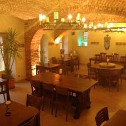 Cedesi Avviatissimo Pub Taverna Bar Ristorante a Venasca €1 -...