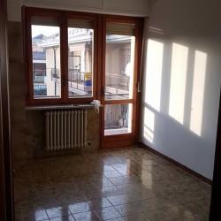 Affitto alloggio condominiale al 2° piano €1 - Cuneo A...