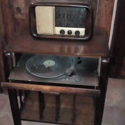 Radio con mobile e giradischi €300 - Revello