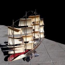 Modello barca in osso di pesce €20 - 12089 Vendo...
