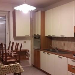 TRINITÀ AFFITTO appartamento composto da: Cucina(ammobiliata), salone, 2 camere (con...