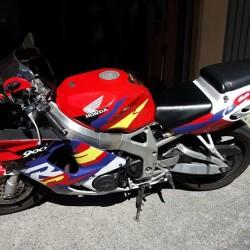 Moto CBR.900RR DEL 96 KM.57000.ANNO 96 TENUTA DA AMATORE PERFETTA...