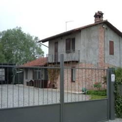 Vendo casa in campagna a pochi km dal centro €1...