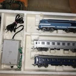 Trenino elettrico Lima originale anni 70 compreso di locomotiva due...