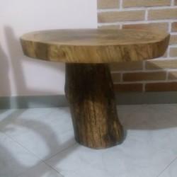 Tavolino artiginale fatto con legno di castagno €85 - Lemoyne,...