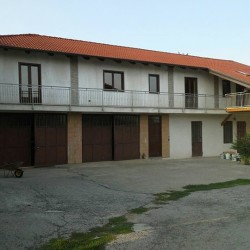 Casa ristrutturata €1 - Busca Vendiamo casa ristrutturata. arredata già...