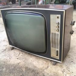 Tv radiomarelli a valvole €100 - 12051 Vendo tv radiomarelli...