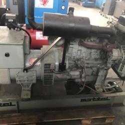 Generatore di corrente Diesel 40 kw motore Perkins pochissime ore...