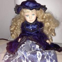 Bambola porcellana €123,456 - Sant'Albano Stura Vendo bambola di porcellana,...