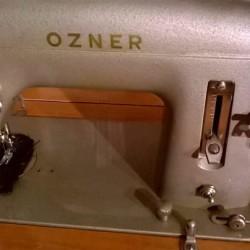 Macchina da cucire OZNER con mobiletto €50 - 12010