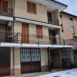 Villetta a schiera ronchi, confine roata chiusani €170,000 CENTALLO villetta...