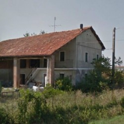 Casale da ristrutturare €35,000 - 12040 Come da titolo vendesi...