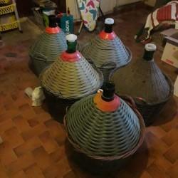 Vendo 5 damigiane da 54 litri 3356343448 €75 - Borgo...