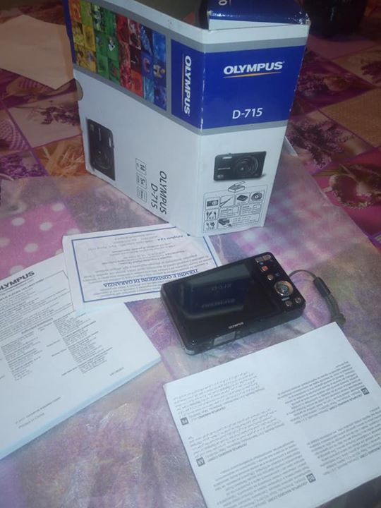 Affare! Olympus D-715, 14mp, 5x zoom, 26mm,3.0 LCD, HD, SD...