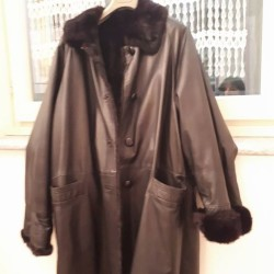 Giaccone in pelle con interno in visoncino tg.44 €200 -...