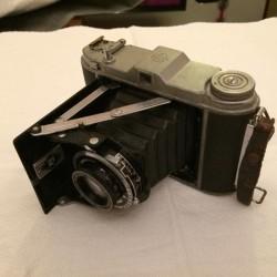 Franka solida macchina fotografica d'epoca €50 - 12051 Vendo come...