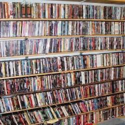 Oltre 1.000 DVD BLU-RAY COFANETTI + SERIE TV da 0,5...