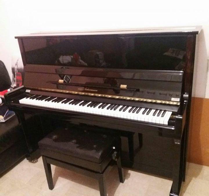 Vendo pianoforte verticale Von Ackermann tenuto molto bene,causa ...