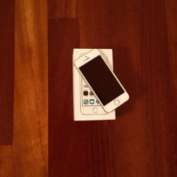 I phone 5S 64gb €150 - 12100 Vendo I phone...