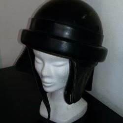 Casco e cuffia €100 - Sanfrè Vendo casco in cuoio...