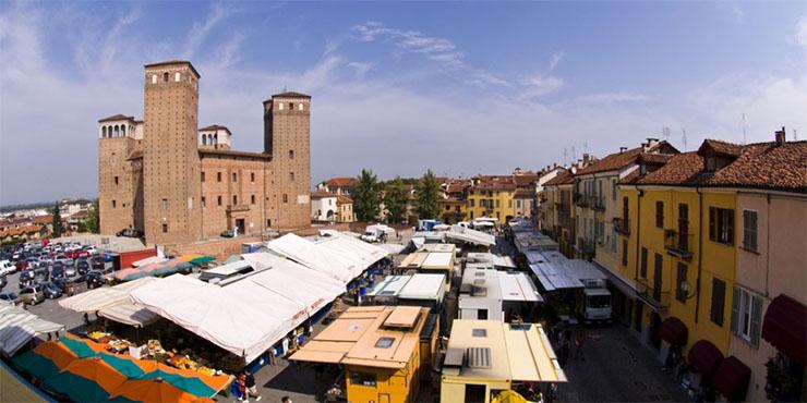 Mercato festivo straordinario a Cuneo