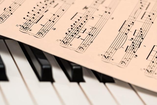 Duo Oliva-Leonardi: Fauré, Schumann e Bartok per un flauto tutto d'oro a Cuneo